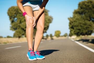 Wenn die Kniescheibe beim Sport schmerzt, können spezielle orthopädische Einlagen Abhilfe schaffen.